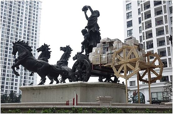 "Ansicht der Installation ""Transport Royal"" von André Tempel in Vietnam, 2016"